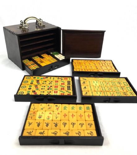 Bakelite Mahjong Set In Hardwood Case Mah Jong - Two Tone Yellow And Red / Bone